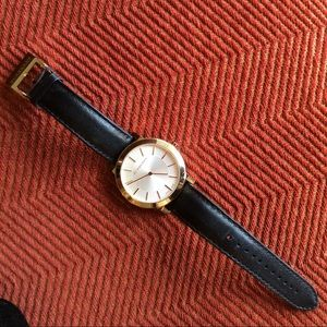 Burberry Accessories - BURBERRY Black Leather Circle Watch